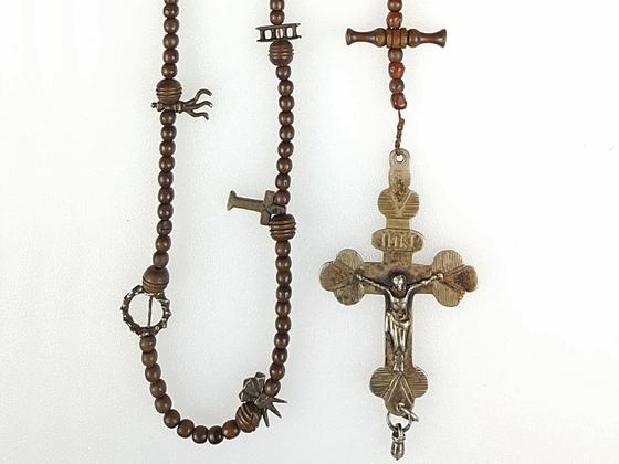 Rosenkranz / Arma Christi / Dreipasskreuz