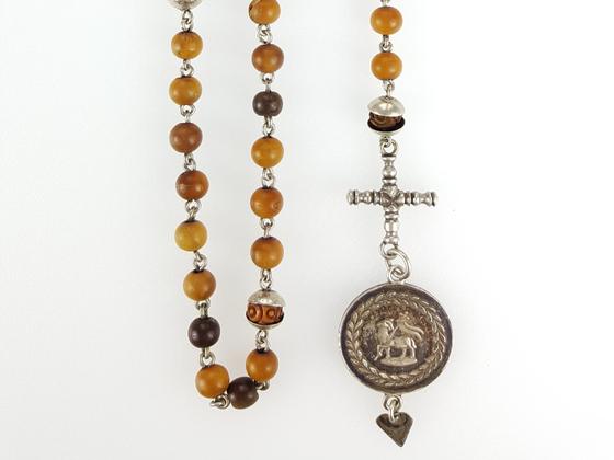 Rosenkranz / Christusmonogramm IHS / Lamm Gottes