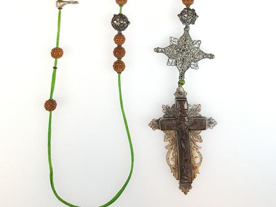Rosenkranz / Lateinisches Kreuz